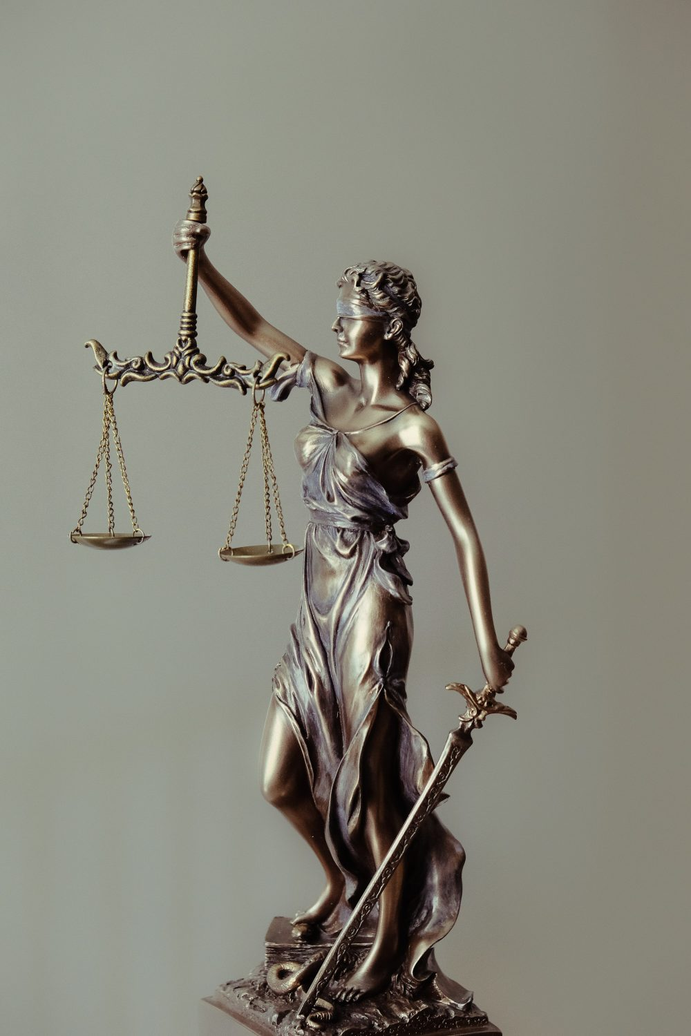 picture with the scales of justice on a post talkign about The Good Wife